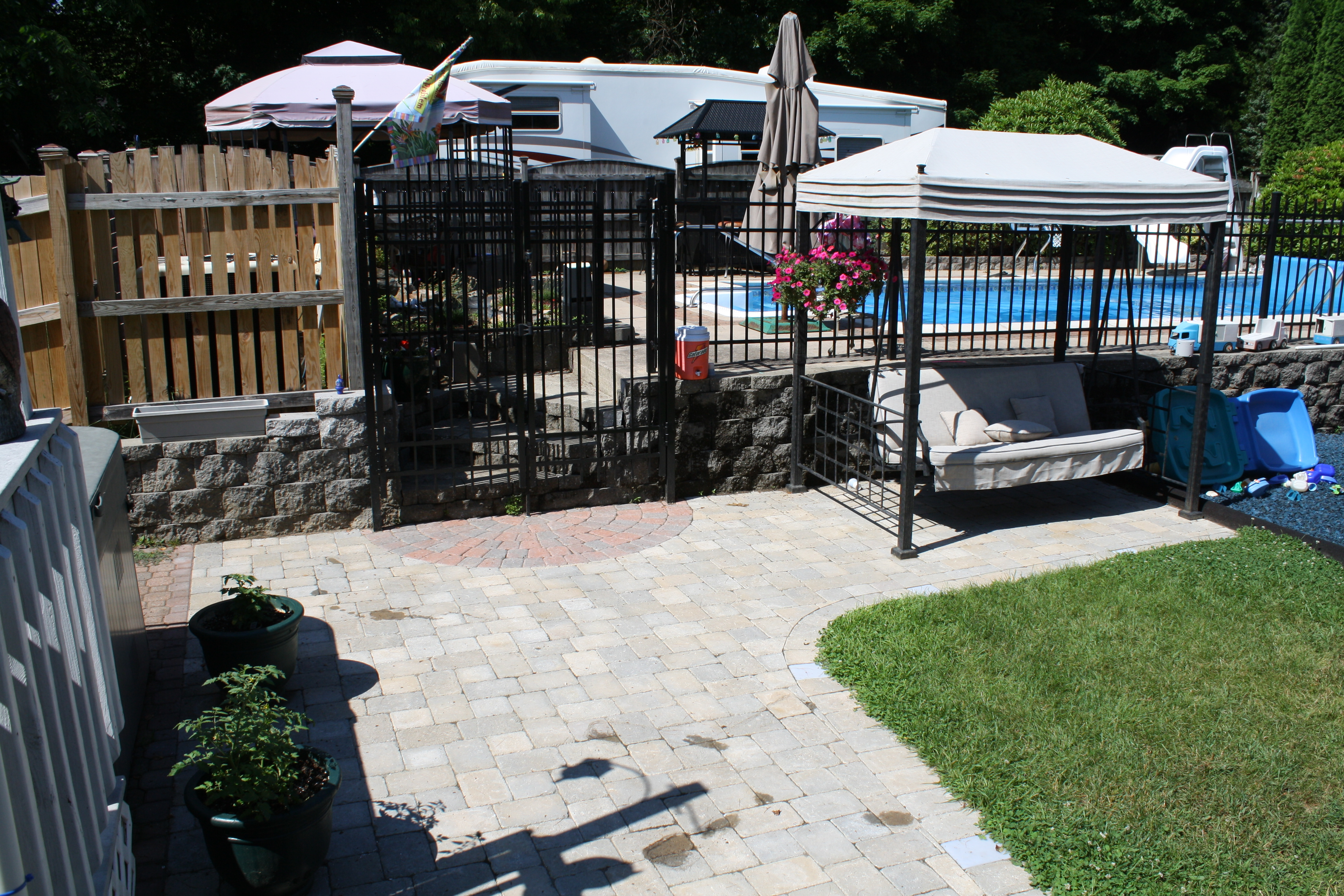 Spas pools unlimited inc fencing
