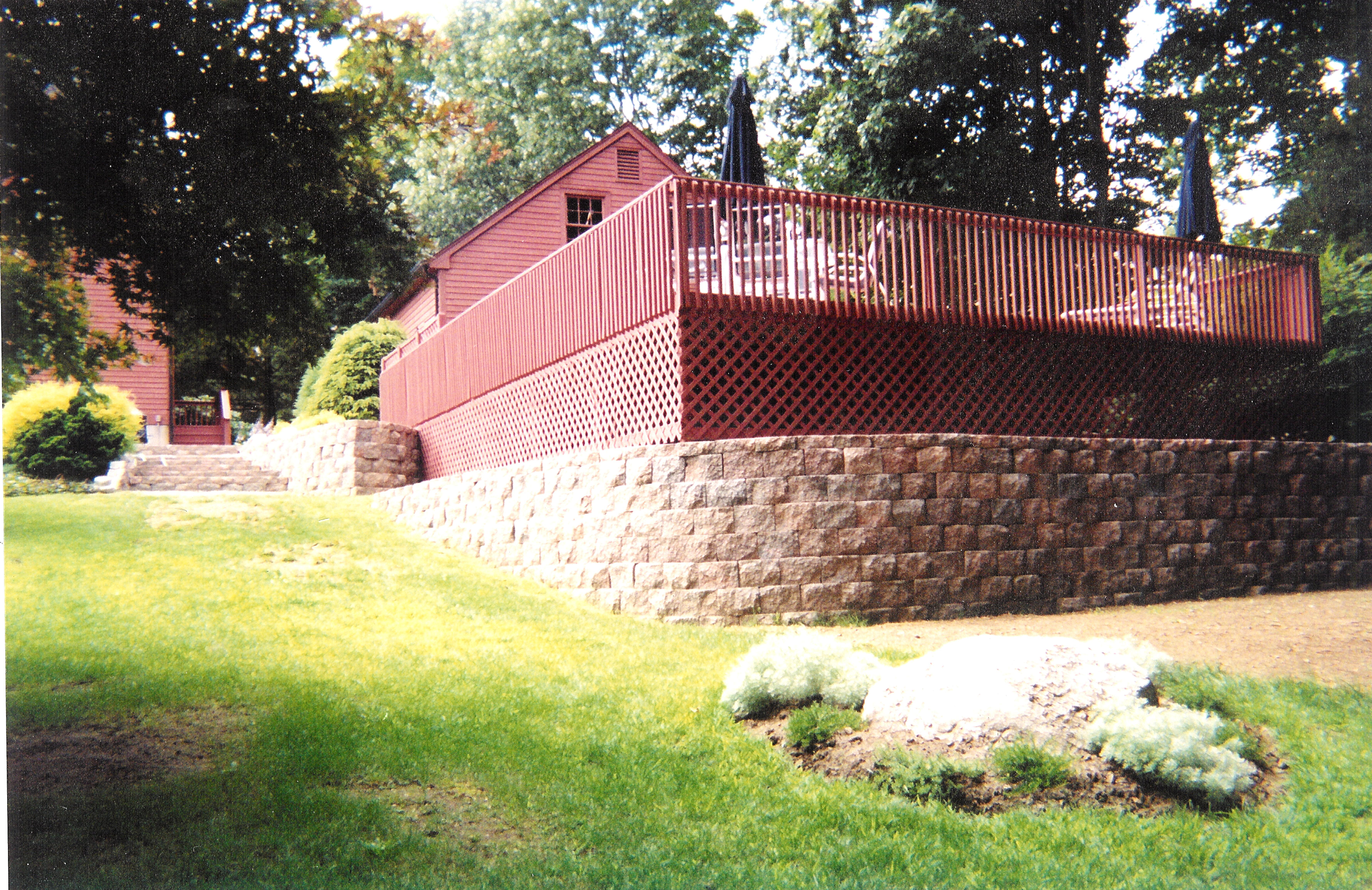 Retaining Wall How To Unlevel Ground - Add a retaining wall to your backyard to truely finish your yard turn your unlevel graded yard into the multi level usable yard that you have always
